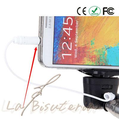 como se conecta el cable al palo de selfie