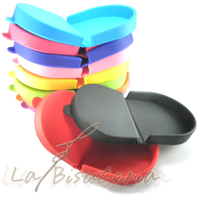 detalle del monedero de silicona de colores